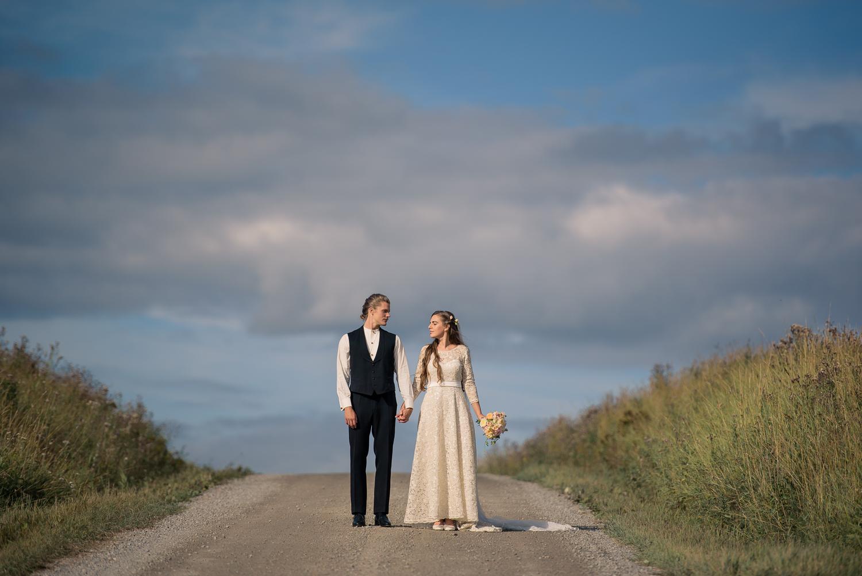 Bohemiskt lantligt bröllop i gammal byskola-78.jpg