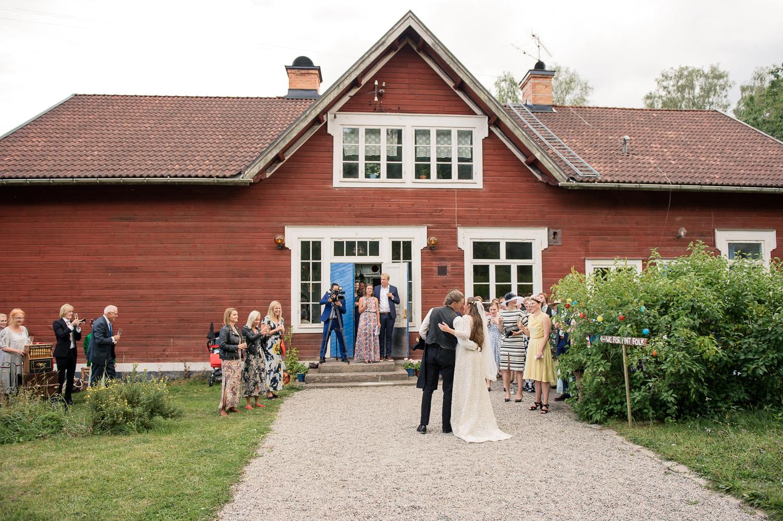 Bohemiskt lantligt bröllop i gammal byskola-93.jpg