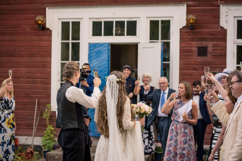 Bohemiskt lantligt bröllop i gammal byskola-96.jpg