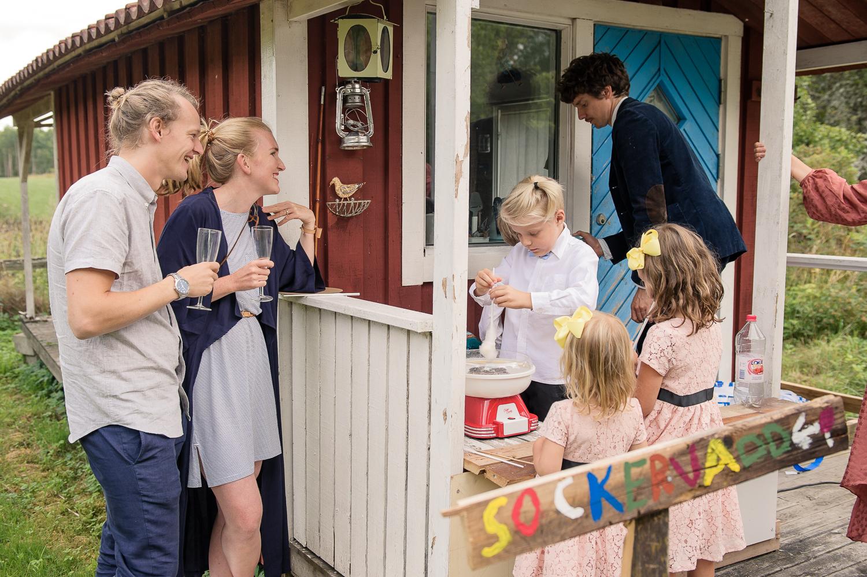 Bohemiskt lantligt bröllop i gammal byskola-127.jpg