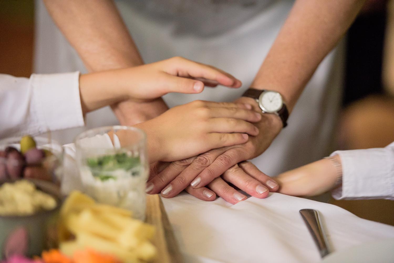 Bohemiskt lantligt bröllop i gammal byskola-139.jpg
