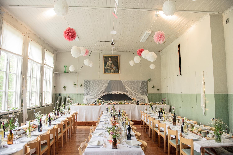 Bohemiskt lantligt bröllop i gammal byskola-138.jpg