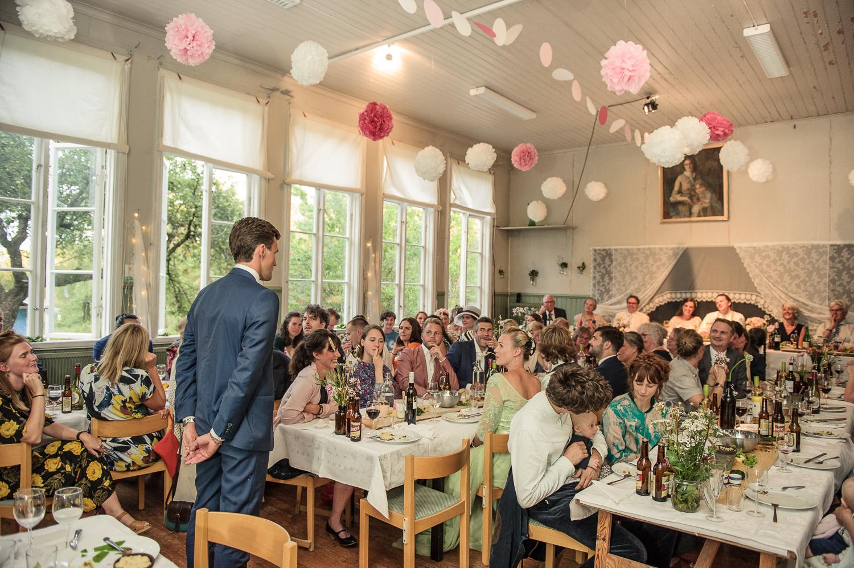 Bohemiskt lantligt bröllop i gammal byskola-149.jpg