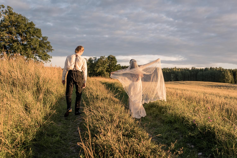Bohemiskt lantligt bröllop i gammal byskola-160.jpg