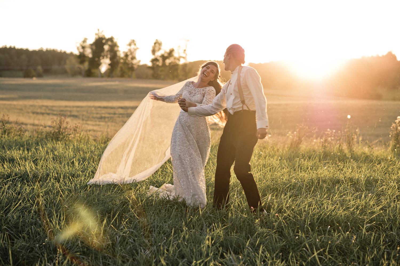 Bohemiskt lantligt bröllop i gammal byskola-173.jpg