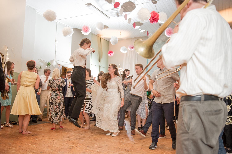 Bohemiskt lantligt bröllop i gammal byskola-200.jpg