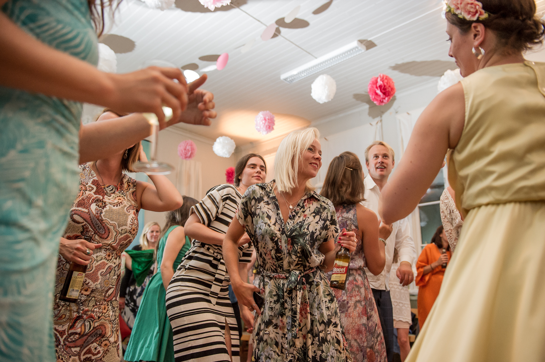 Bohemiskt lantligt bröllop i gammal byskola-202.jpg