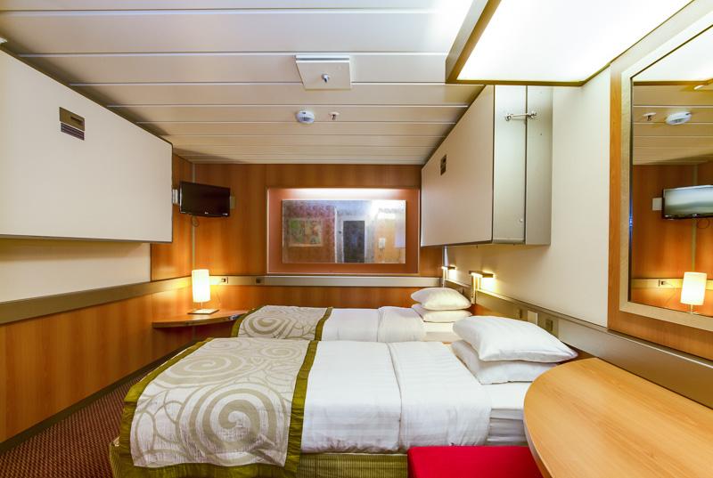 4-2-cat-2-standard-twin-inner-cabin-m45-three-berth-pullman-up-.jpg