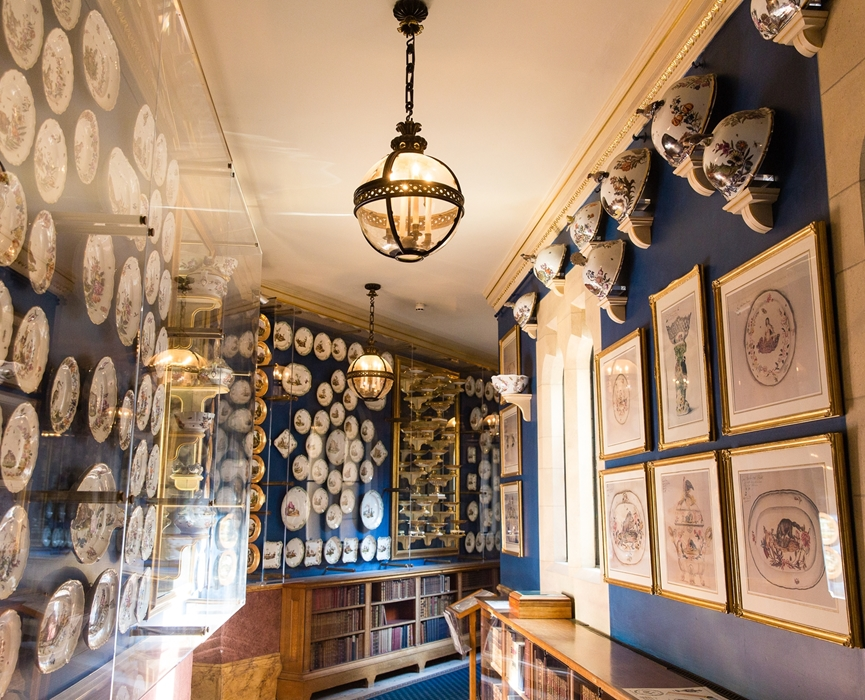 ceramics-collection--alnwick-castle.jpg