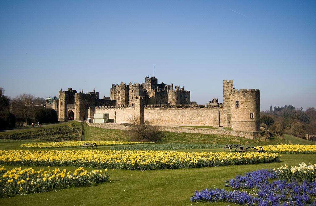 Alnwick-Castle-02.jpg