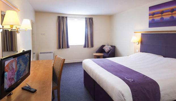 double-twin-room--Premier-Inn-Team-Valley.jpg