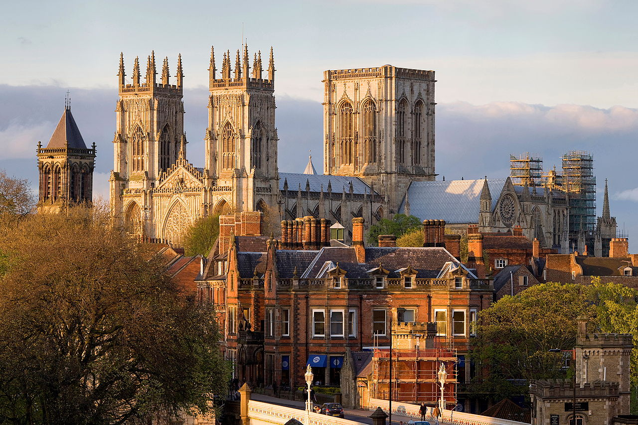 York_Minster_from_the_Lendal_Bridge.jpg