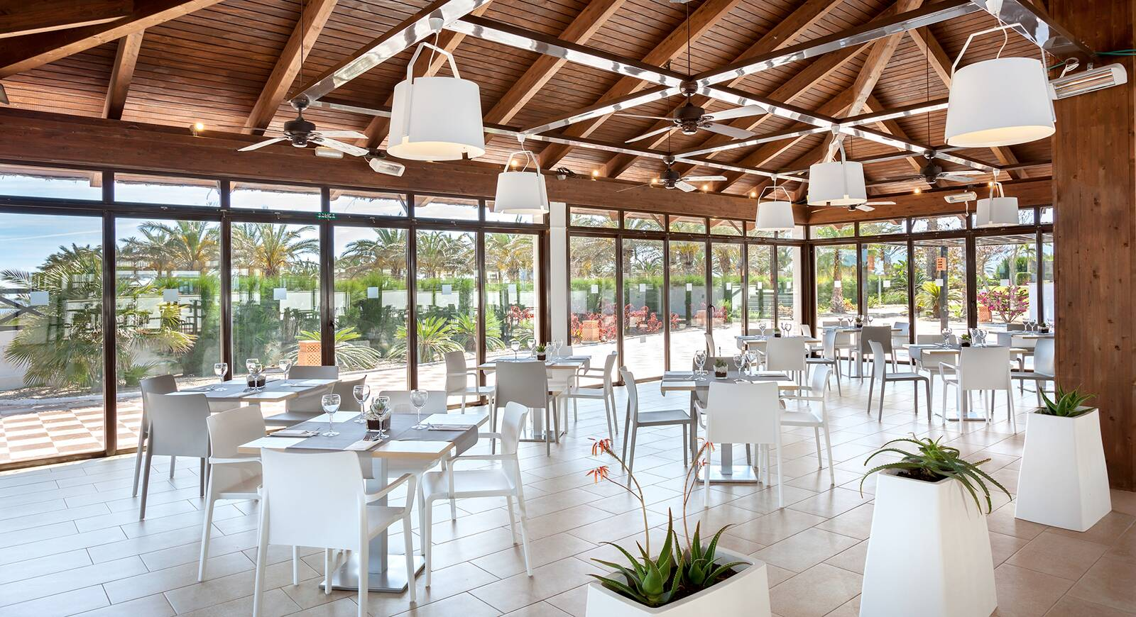 236-restaurant-118-hotel-barcelo-cabo-de-gata_tcm20-136685_w1600_h870_n.jpg