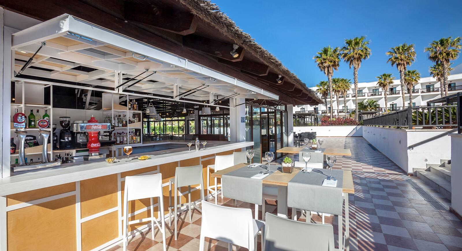 236-restaurant-120-hotel-barcelo-cabo-de-gata_tcm20-136683_w1600_h870_n.jpg
