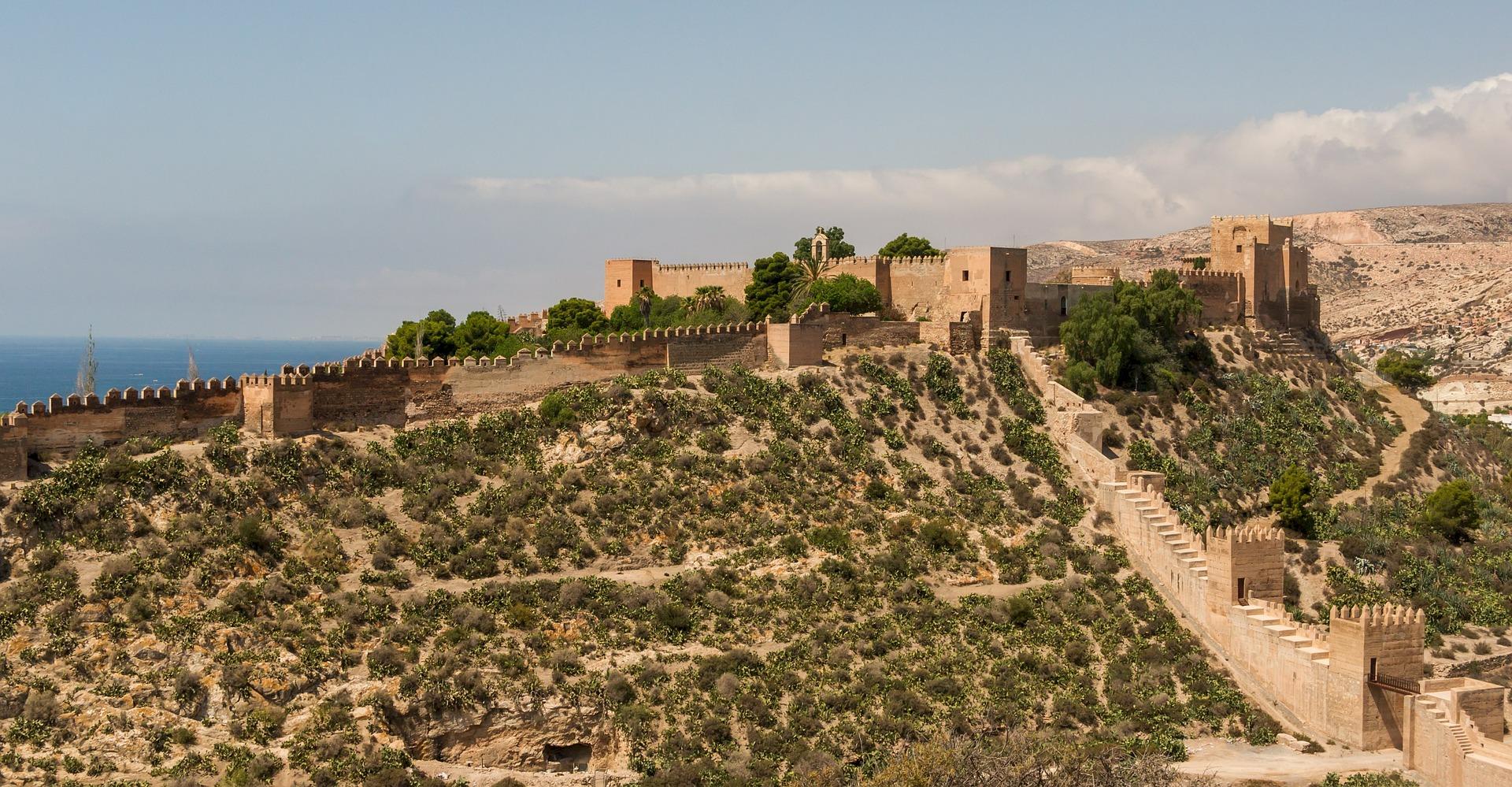 alcazaba-of-almeria-birds-eye-view--pixabay-533934_1920.jpg