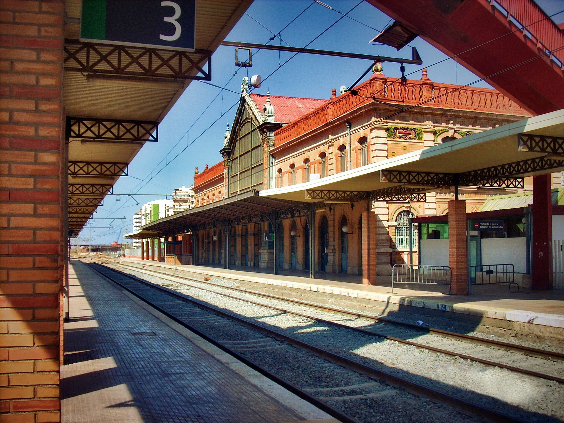 almeria-train-station--pixabay-212243_1920.jpg