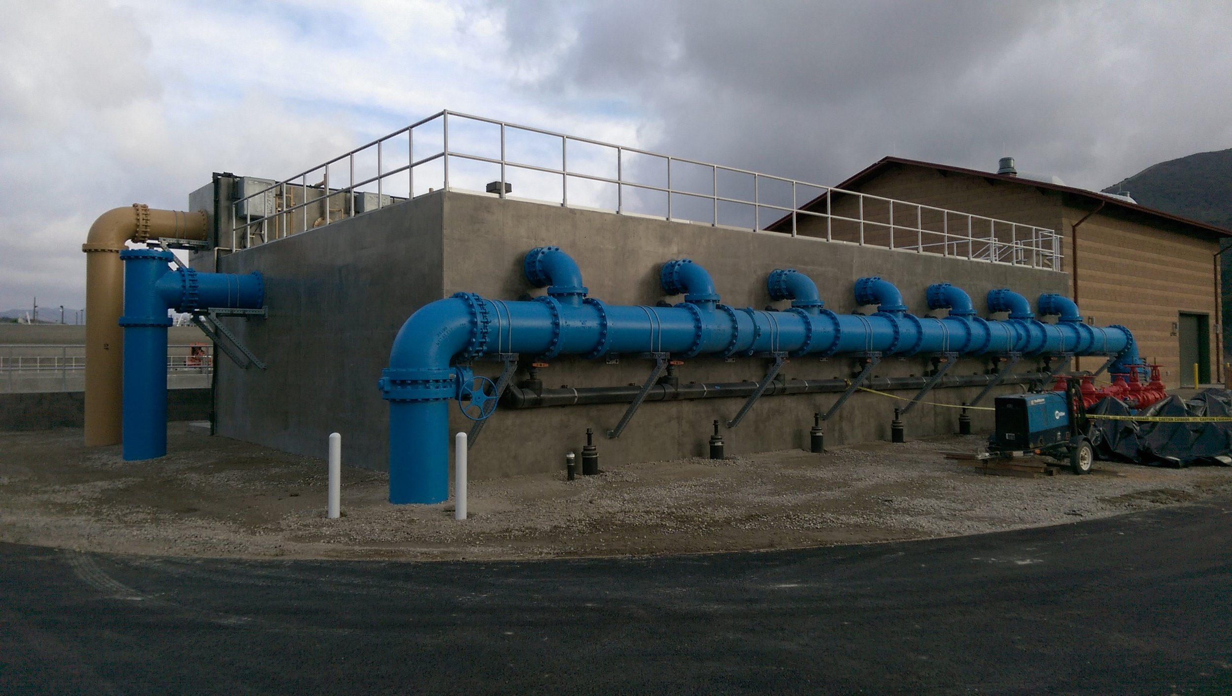 Blue PRO ®  reactive filtration can be installed into concrete tanks or purpose-built fiberglass or stainless tanks.