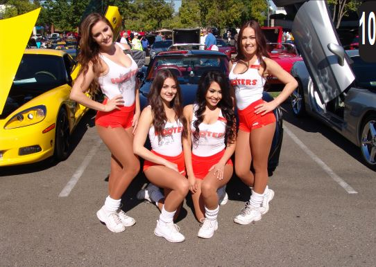 Hooters Car Show