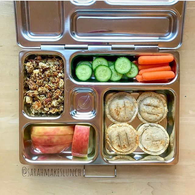 #repost Shoo away the Sunday scaries and get your meal prep for the week done! We love @sarahmakeslunch spread with Hummus Pods! #yum