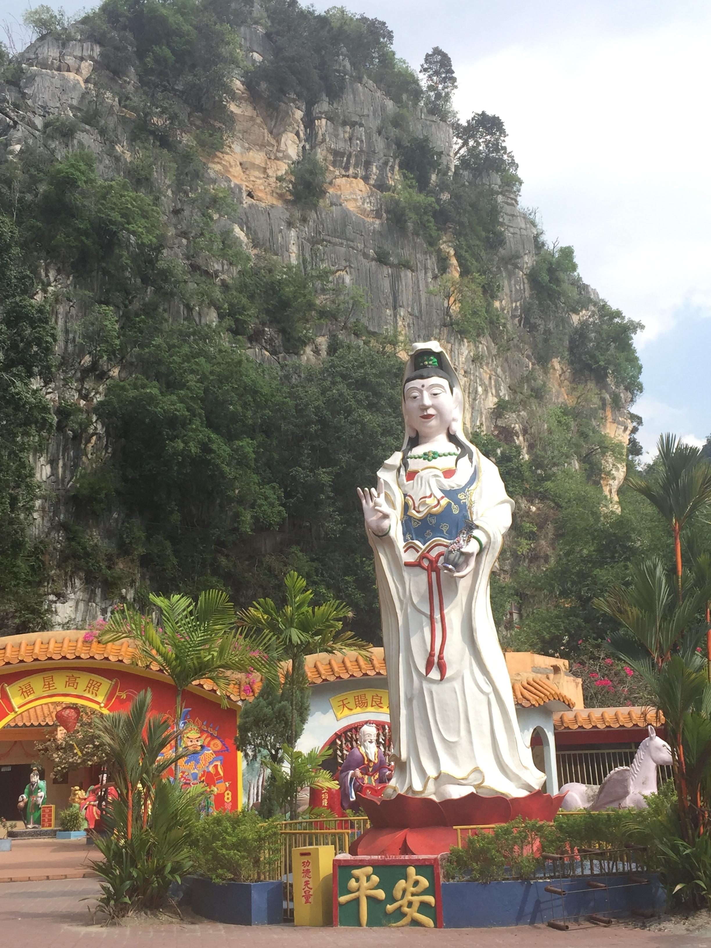 Make sure to visit Len Sen Tong Temple