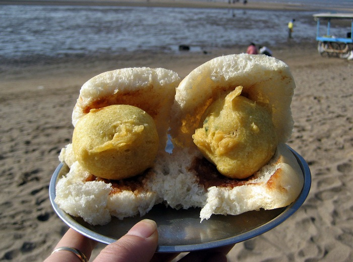 Vadapav, Street Food of Mumbai