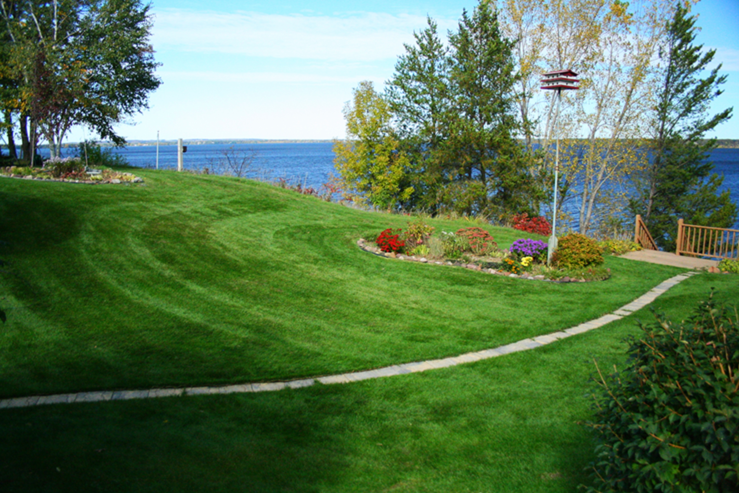 Ultimate Lawns - Blowing - Mclean/Chippew Falls