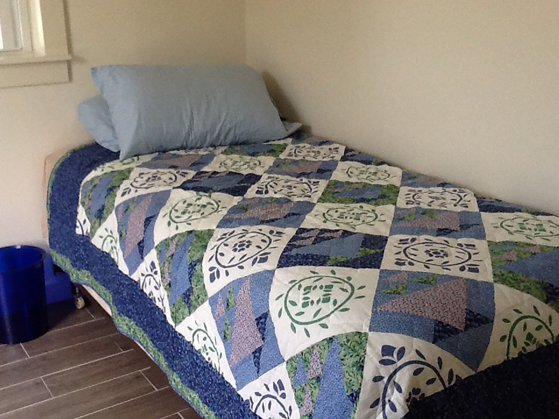 Bedroom 1 Full Bed.jpg