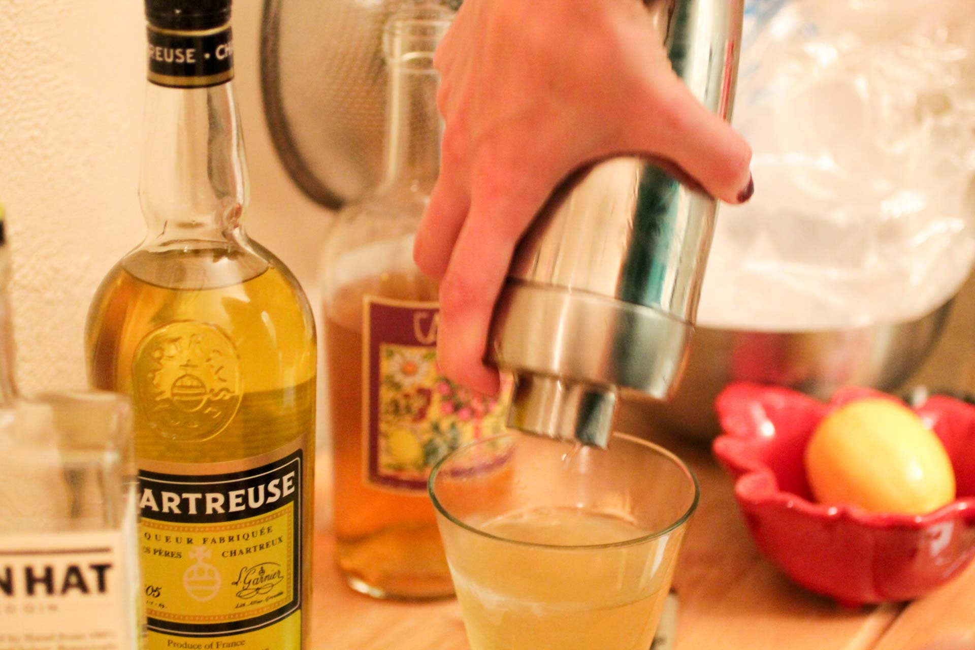 san-martin-cocktail-pour