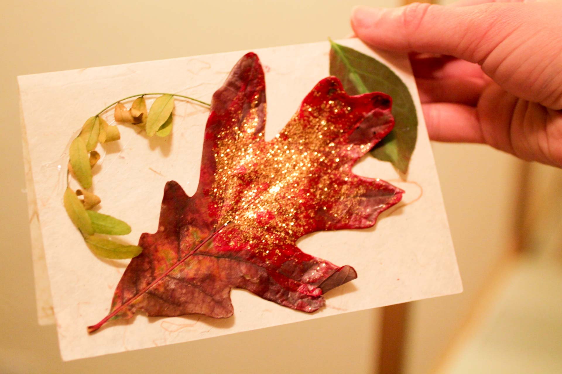 glitter-leaf-card-adult-crafts