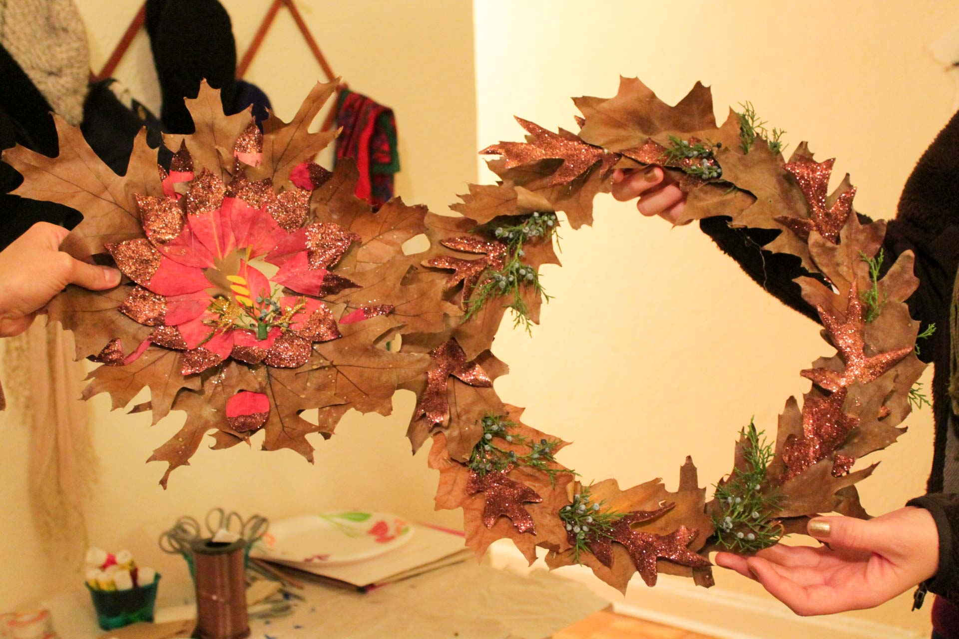 glitter-leaf-wreaths-adult-crafts