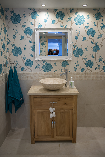 bathroom 009.jpg