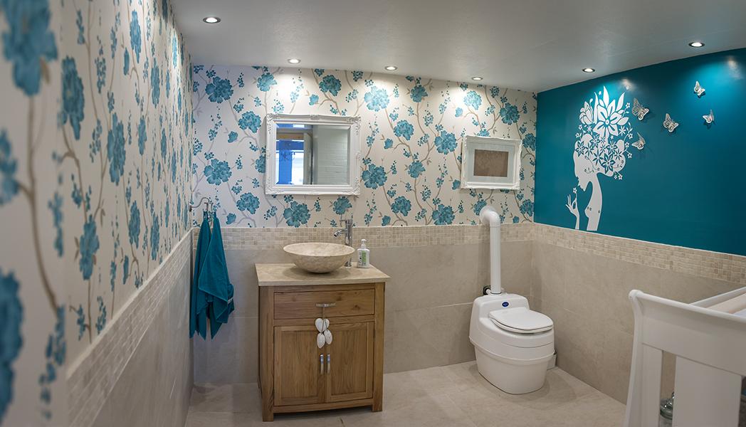bathroom 008.jpg