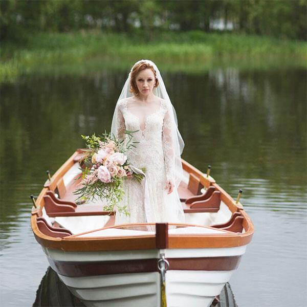 virginia-park-lodge-wedding-flowers.jpg