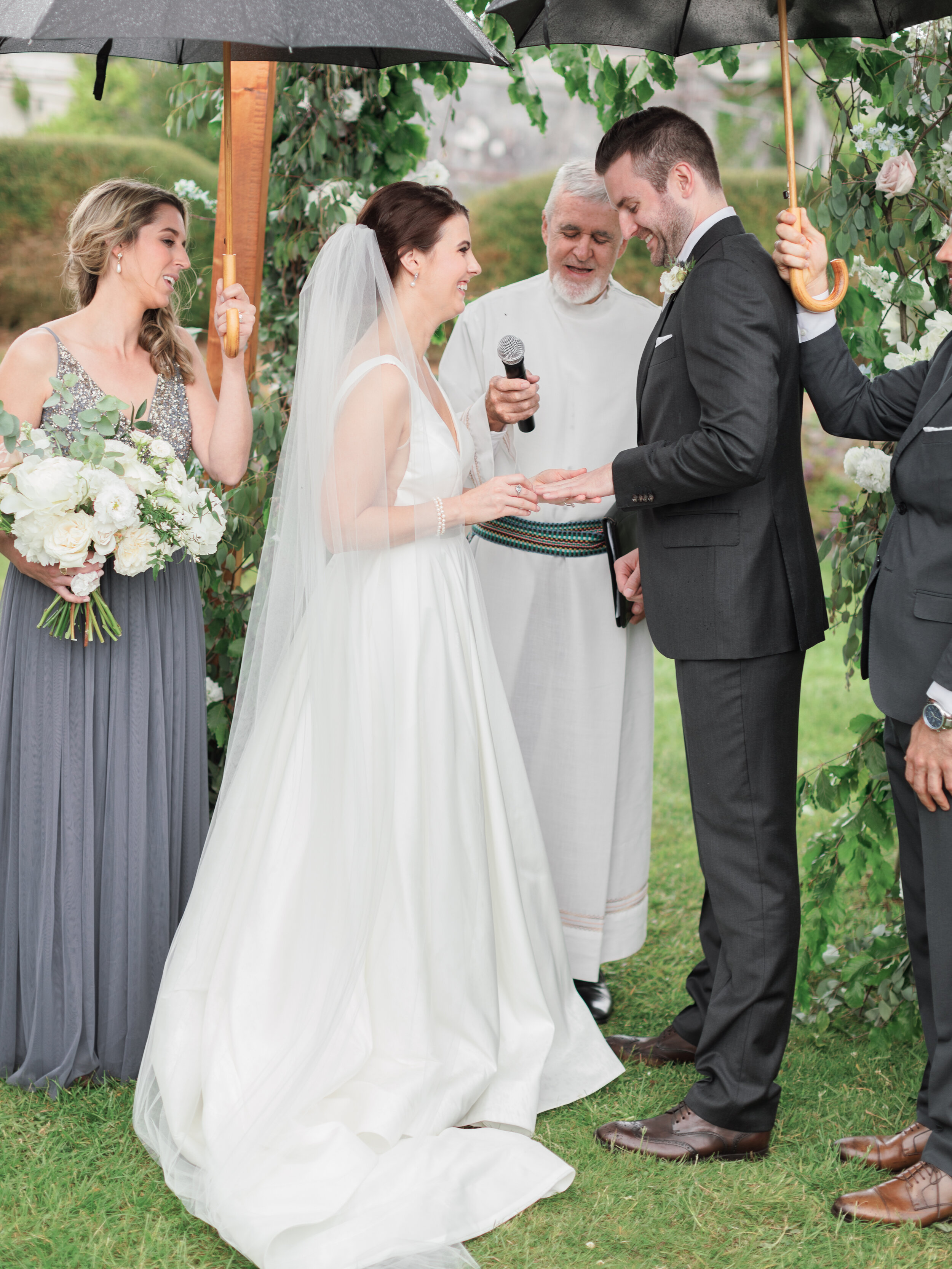 Bella-Botanica-Flowers-Molly-Carr-Photography-Ceremony-Vows_Floral- Arbor-Arch132.JPG