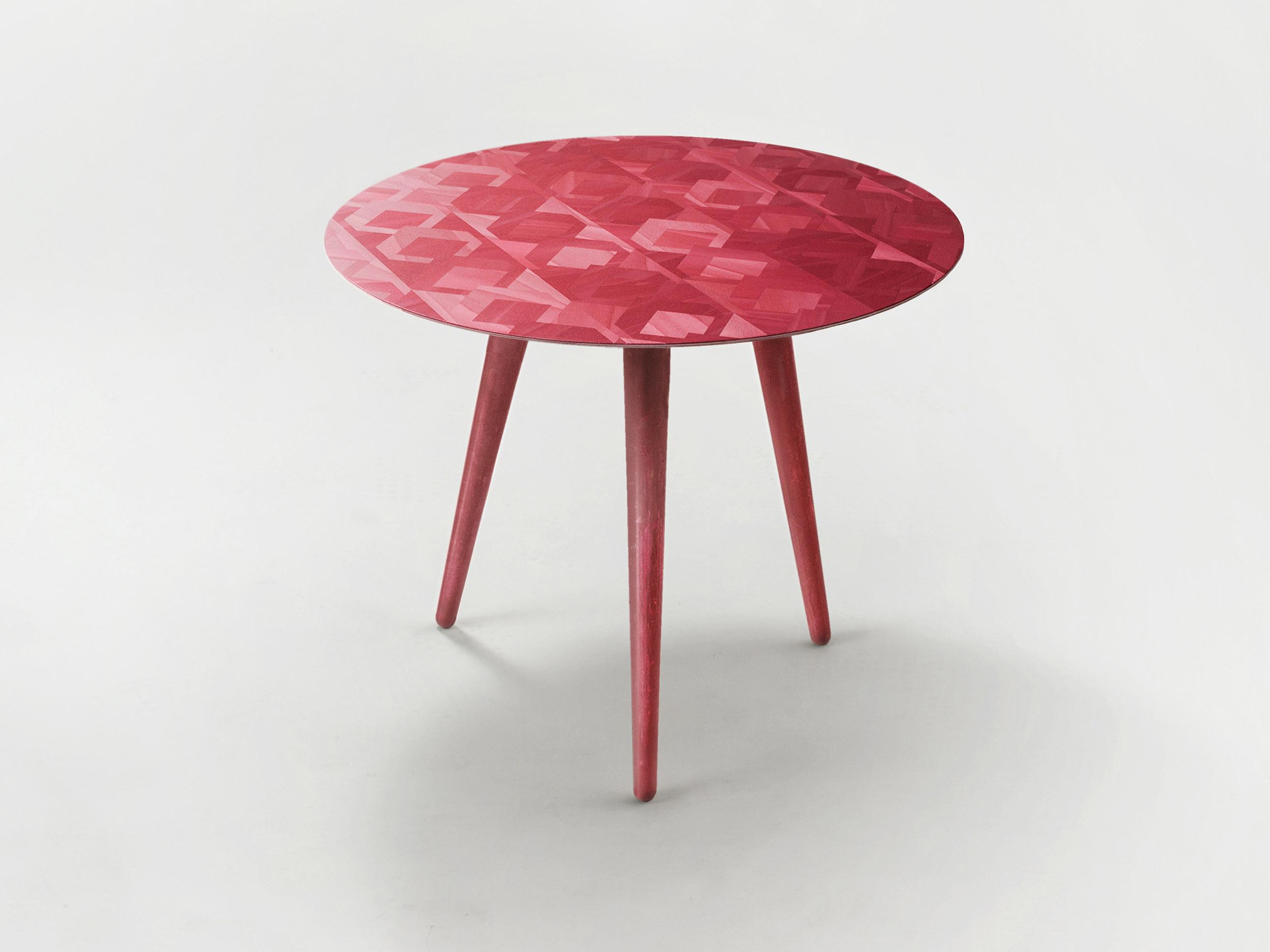 Red  top crayon leg.jpg