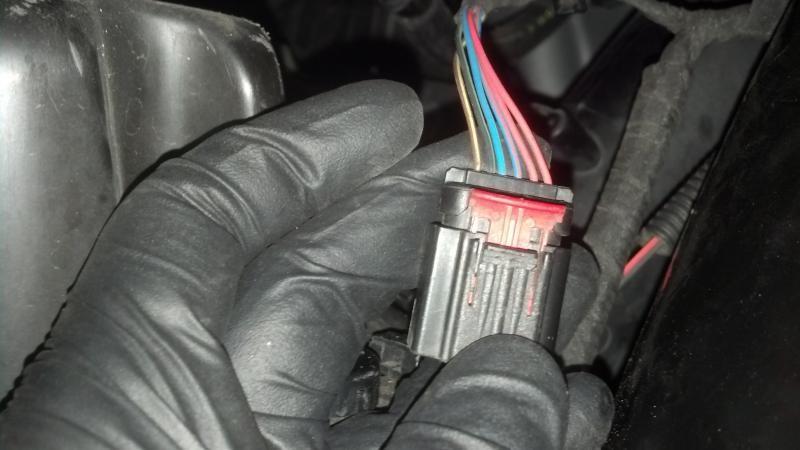 MAF sensor harness plug and its security clip.