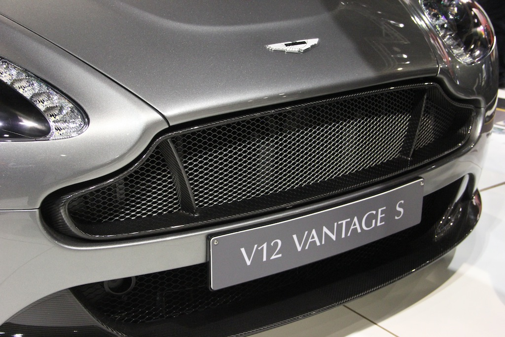 V12-Vantage-S-in-Tungsten-Silver-grille.jpg