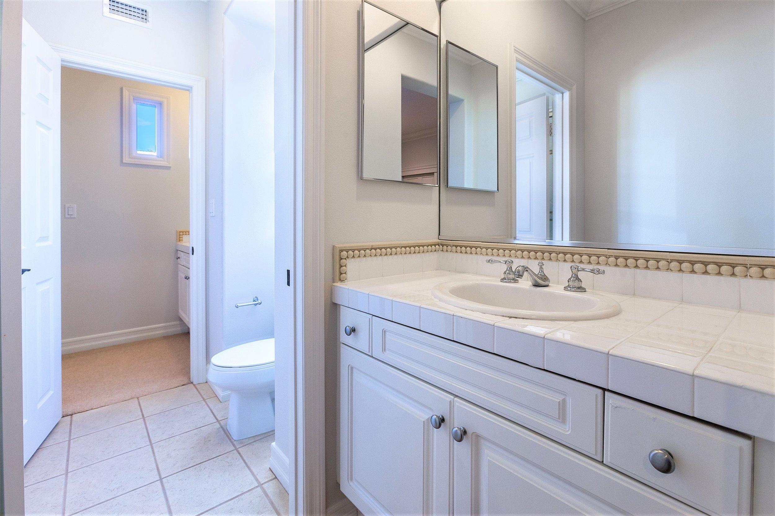 207 Tuberose - Jack'n Jill Bathroom.jpg