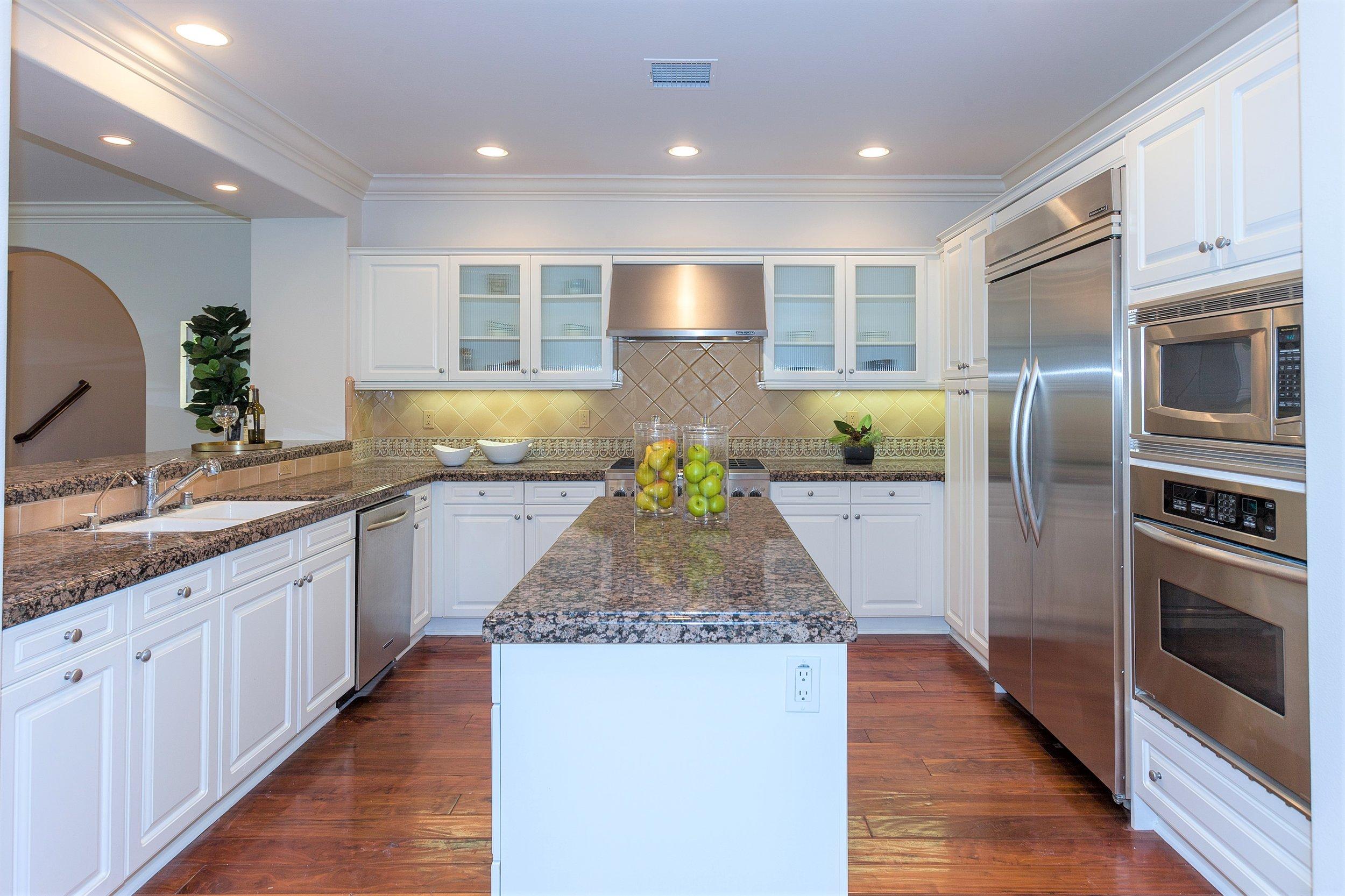 207 Tuberose - Kitchen 2.jpg