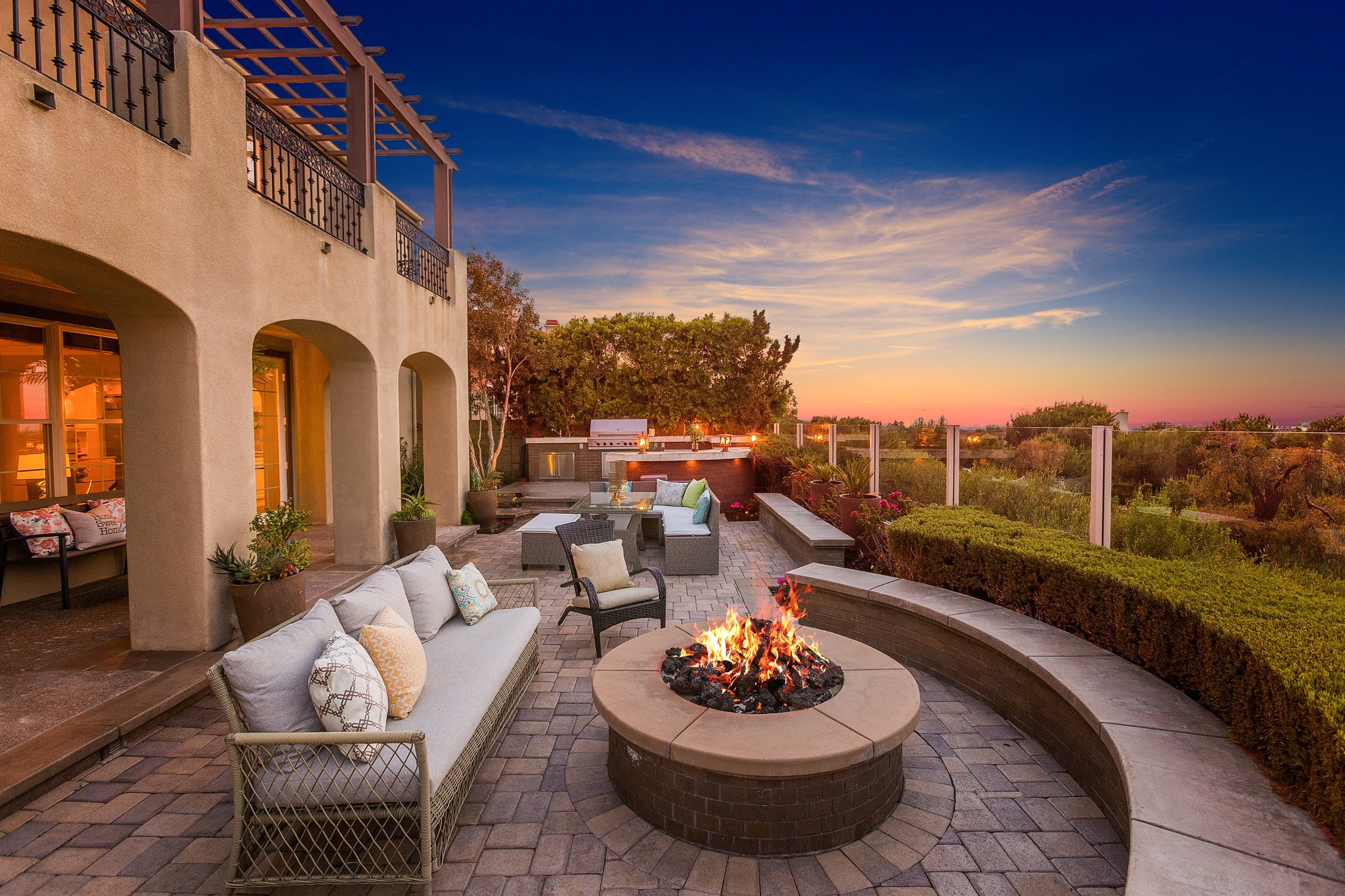 3 Ferrand - backyard sunset view.jpg