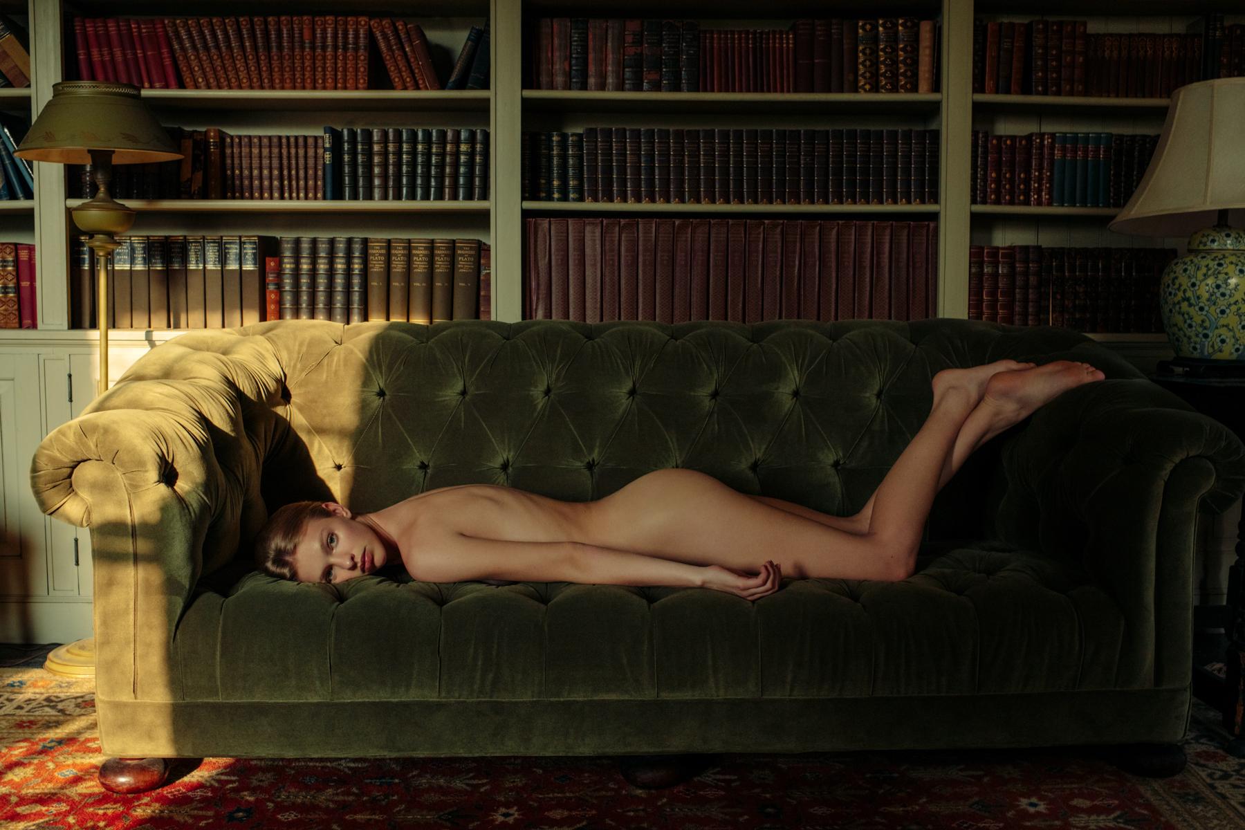 12-Clare-Crawford-by-Ivan-Bideac-for-Vogue-Italia--2.jpg