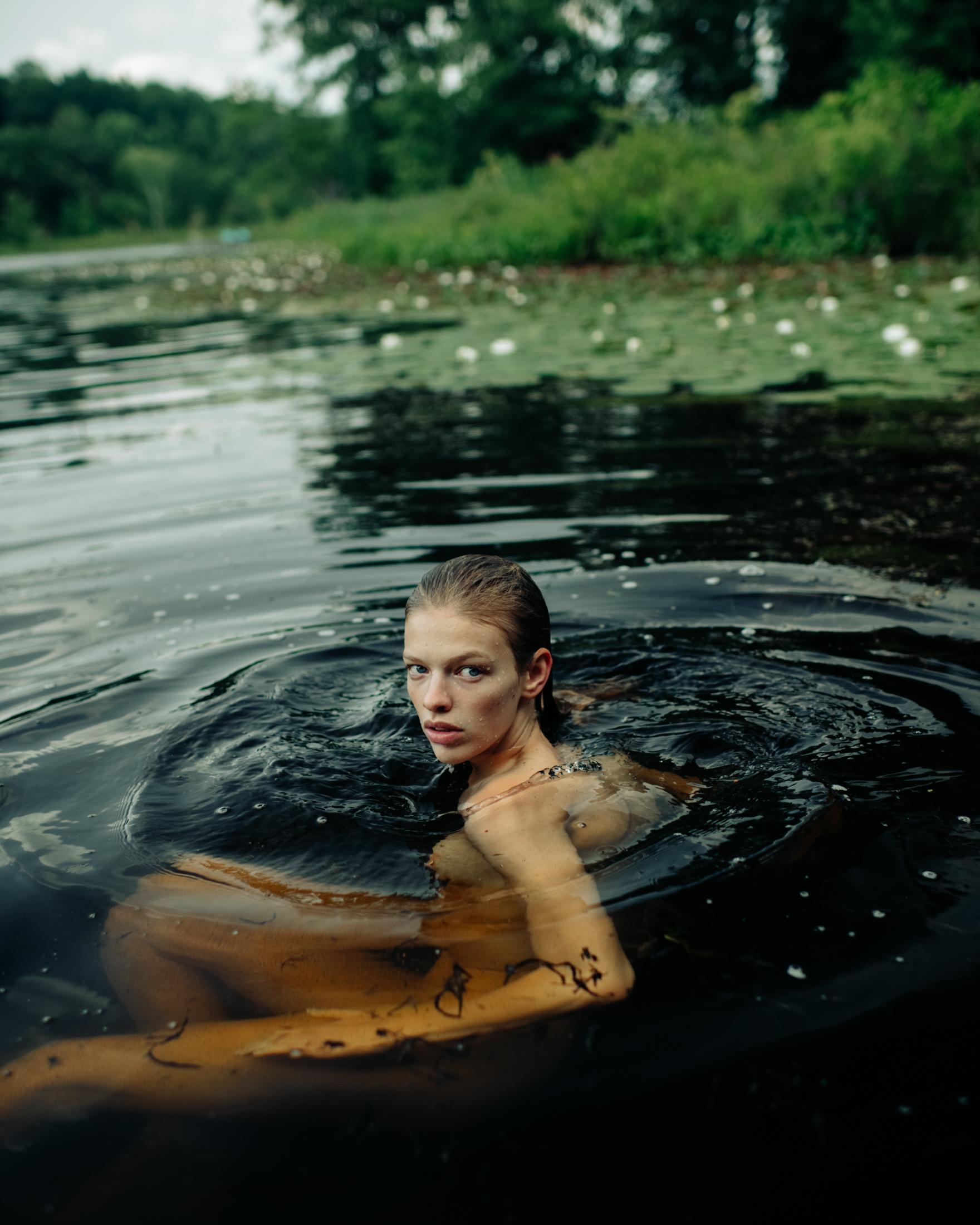 Clare-Crawford-by-Ivan-Bideac-for-Vogue-Italia-0912.jpg