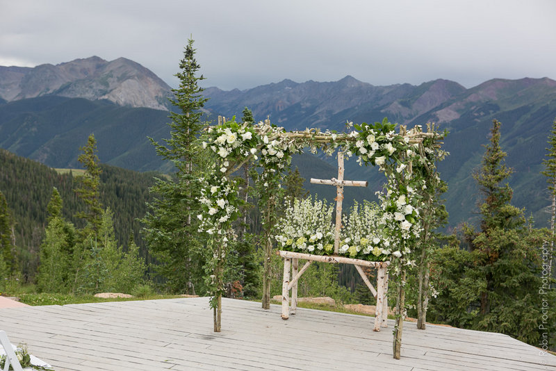 Ceremony Aspen Mountain, Lovely White and Green