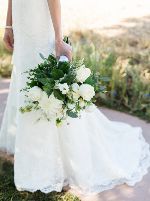 White Bouquet Loose & Abundant