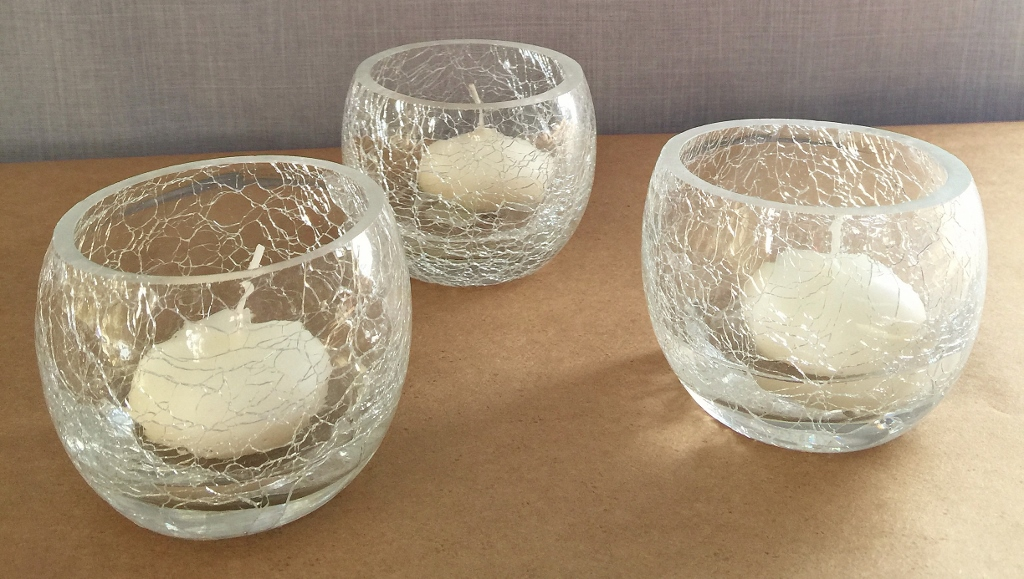 Clear crackle round votive