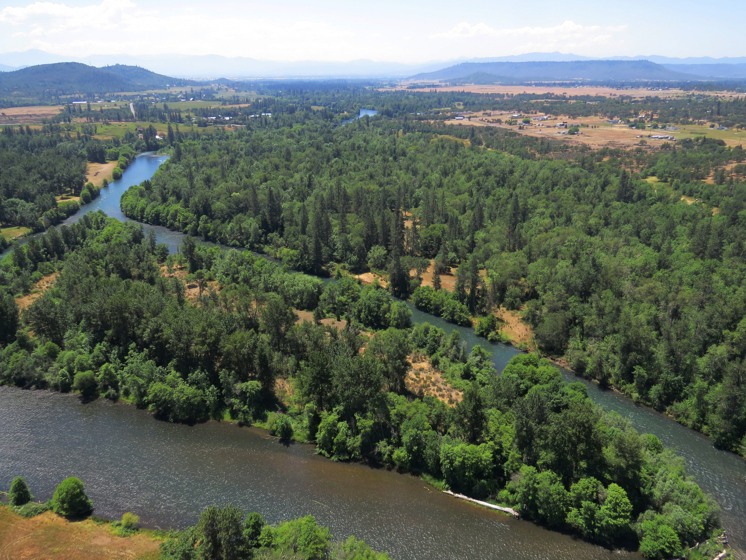 The Rogue River Preserve includes vernal pool meadows, oak woodlands, a riparian forest, and a 40-acre island.  Photo by Jim Harper.