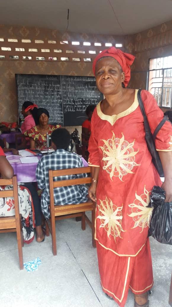 Maman Mianda teaches literacy.