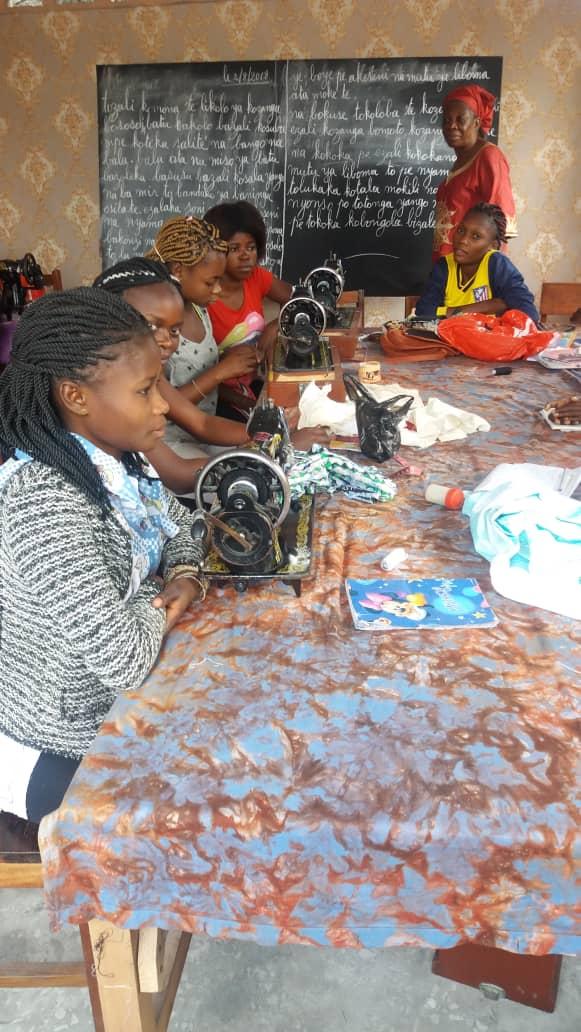 8b sewing class.jpg
