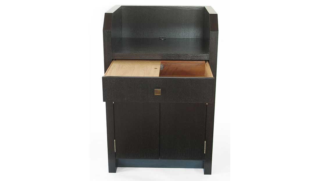Cambium Studio.Doorman Stand Desk.2_edit.jpg