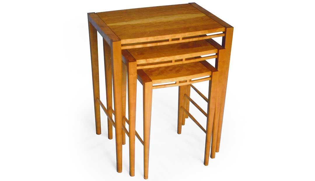Cambium Studio.Tables.Pavo Nesting.persp.jpg
